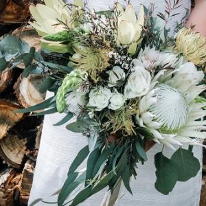 FIR-Floral-Design-elope36-1-of-1-600x424